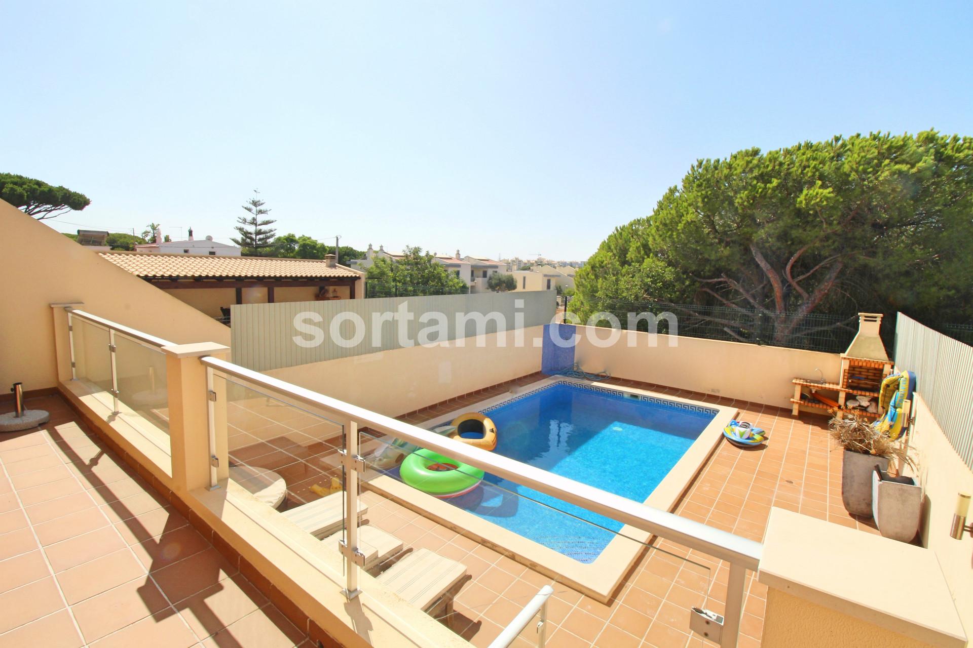 Town House T3, Algarve, Quarteira