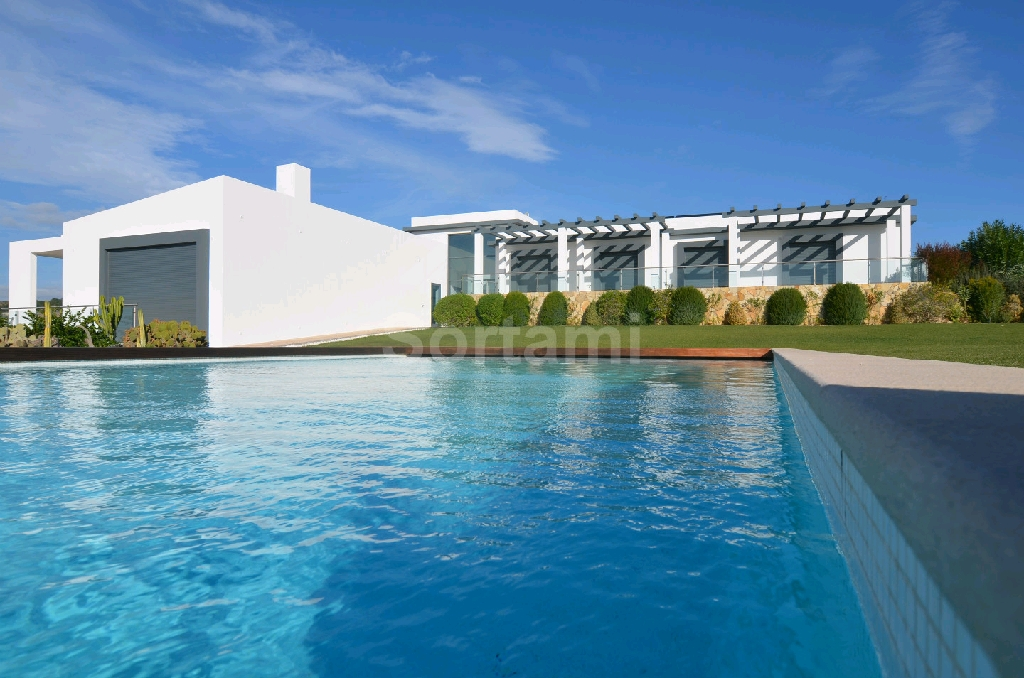 Detached house T4 Algarve, Estoi